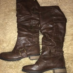 Women's Size 6 Brown Boots
